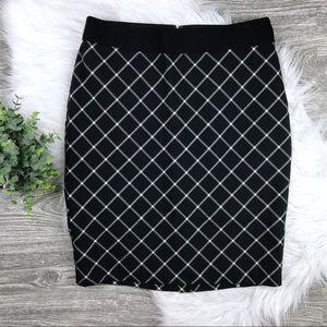NWOT The Limited Black & White Windowpane Skirt